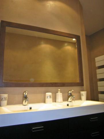 Salle de bain b ton et bois romain serve for Salle de bain romaine