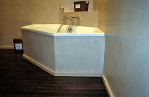 Salle de bain, béton et bois