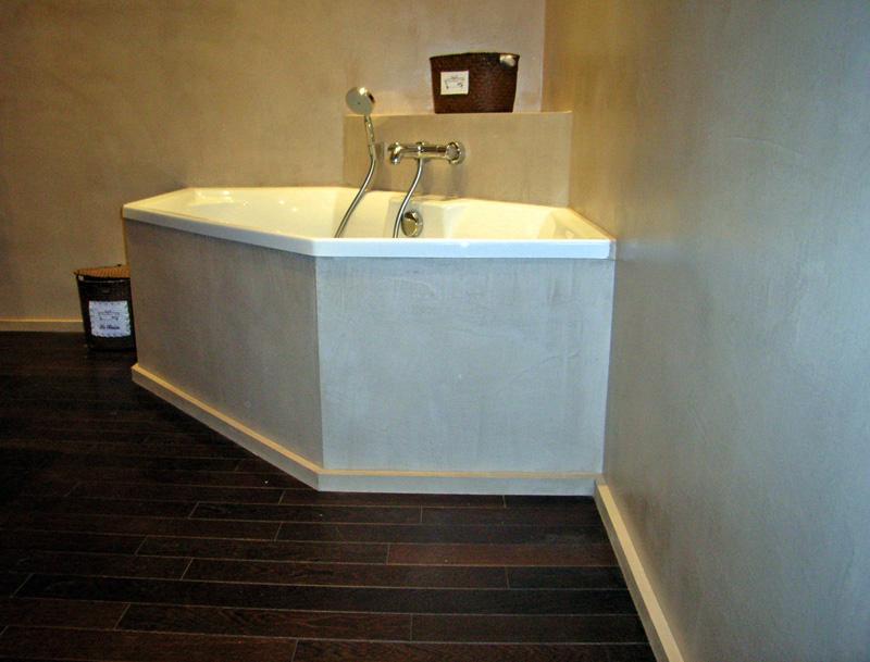 Salle de bain, béton et bois | Romain Serve